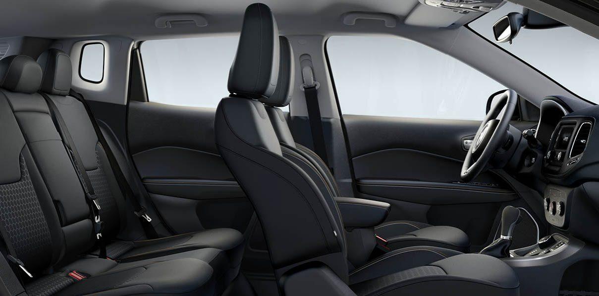 Nouveau SUV Compass 2017 ׀ l\'intérieur moderne et innovant ׀ Jeep®